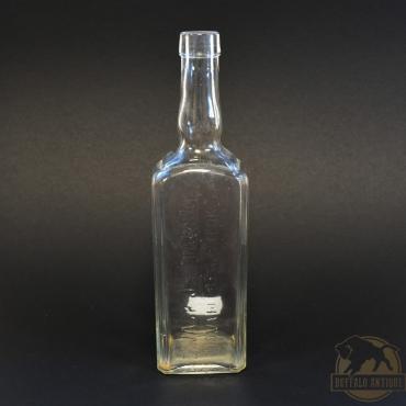 Színtelen Zwack italos üveg...