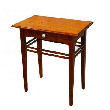 Fiókos fenyő asztalka