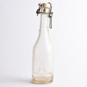 Régi csatos üveg: A Bucuresti
