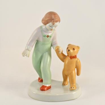 Aquincum kislány medvével