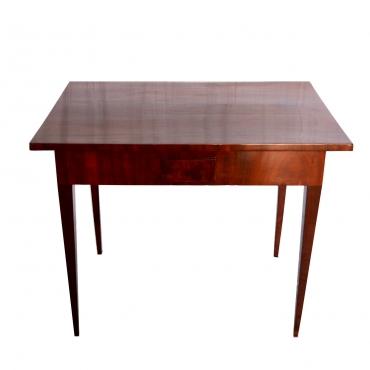 Copf stílusú játékasztal