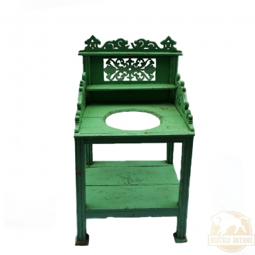Zöldre festett lavórtartó