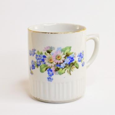Virágcsokros porcelán csésze