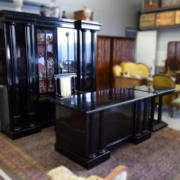 Fekete dolgozószoba-bútor