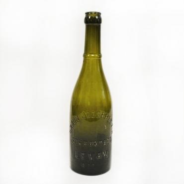Sötétzöld sörösüveg Braun...